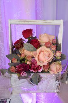 forma podziękowania dla rodziców, wersja rustykalna (przecierana) i biała, specjalne kolory na specjalne życzenie:) Podziękowanie dla rodziców dostarcza firma na miejsce wesela razem z innymi elementami wystroju.  kolory i gatunki kwiatów: dowolne