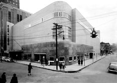 Stone & Thomas shortly after its opening