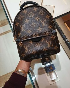 2019 New LV Collection For Louis Vuitton Handbags Mus. - 2019 New LV Collection For Louis Vuitton Handbags Must have it - Prada Handbags, Fashion Handbags, Purses And Handbags, Fashion Bags, Cheap Handbags, Tote Handbags, Popular Handbags, Spring Handbags, Trendy Handbags