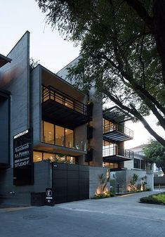 Outstanding 15 Modern Real Estate That Will Amaze Your Eyes https://decoratio.co/2017/12/13/20717/ In property business, real estate is really interesting, since the price is always go higher. Here are some real estate design for you to consider.