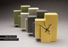 Creative vision and 16 years of concrete countertop experience produce unique home accents: concrete clocks, wine holders, chairs, etc. Concrete Crafts, Concrete Art, Concrete Projects, Wooden Projects, Diy Clock, Clock Decor, Beton Design, Modern Clock, Wood Clocks