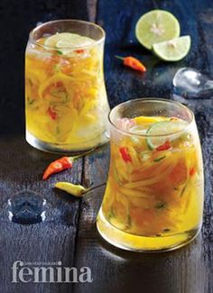 Rujak Mangga (spicy mango punch): 3 mangoes, 3 cucumbers, pomelos, 3 bird-eye chillies, jus of . Indian Fruit Salad Recipe, Fruit Salad Recipes, Fruit Snacks, Dessert Recipes, Indonesian Desserts, Indonesian Cuisine, Asian Desserts, Asian Recipes, Indonesian Recipes