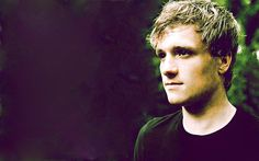 Josh Hutcherson Handsome Wallpaper