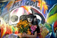 Día de los Muertos: Thousands of people visit the mausoleum of Mixquic, one of the most symbolic in Mexico City, for the Day of the Dead. Festival Of The Dead, The Departed, Halloween Festival, Samhain, Mexico City, Festivals, Around The Worlds, Events, Holidays