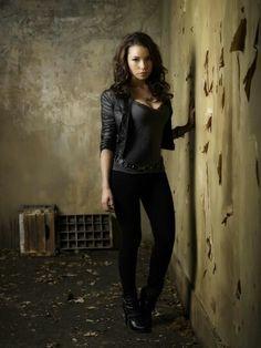 "The Secret Circle Jessica Parker Kennedy as ""Melissa Glaser"""