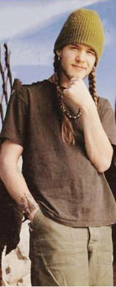 Richard Shannon Hoon (September 26, 1967 – October 21, 1995) Lafayette, Indiana was an American singer-songwriter and musician. He was the frontman and lead singer of the band Blind Melon until his death from a cocaine overdose in 1995.