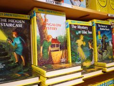 Some of the 'Nancy Drew' mystery books by Carolyn Keene. These books and Agatha Christie started my love of mysteries. Best Mystery Novels, Murder Mystery Books, Mystery Genre, Best Mysteries, Cozy Mysteries, I Love Books, Good Books, My Books, Nancy Drew Books