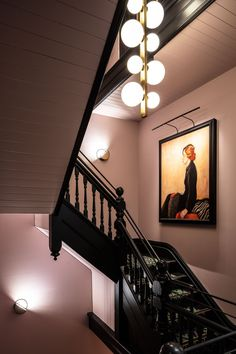 Home Interior Vintage Little Albion Guesthouse Surry Hills by Cressida Kennedy & Connie Alessi. Pink Hallway, Black Hallway, Black Stairs, Interior Design Courses Online, Art Deco, Hallway Designs, Surry Hills, Terrazzo Flooring, Glass Extension