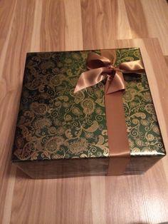 #giftwrap #christmas #ribbons #bows #diy