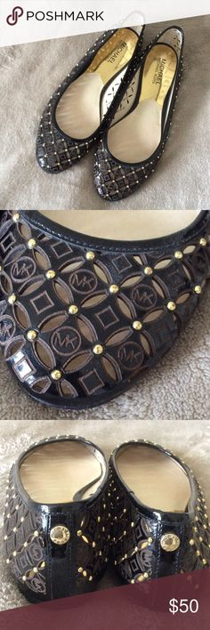 Michael Kors flats Lightly worn MICHAEL Michael Kors Shoes Flats & Loafers