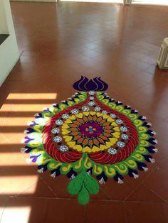 Beautiful Wedding Rangoli Designs Ideas for Your Wedding Décor That You Mustn't Miss Rangoli Designs Latest, Simple Rangoli Designs Images, Rangoli Designs Flower, Small Rangoli Design, Rangoli Border Designs, Rangoli Ideas, Rangoli Designs Diwali, Diwali Rangoli, Rangoli Designs With Dots
