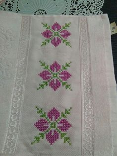 Julissa Domingo's media content and analytics Easy Crochet Patterns, Stitch Patterns, Embroidery Stitches, Embroidery Designs, Teapot Cover, Cool Curtains, Simple Cross Stitch, Yarn Shop, S Pic