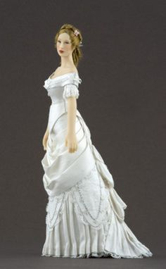 Elise (1877-1879) Fashion doll (side view) Click to enlarge