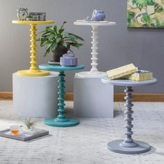 Finley Home Savannah Accent Spindle Table