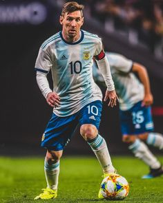 L10 👑 Messi Argentina, Ballon D'or, Football Fans, Football Players, Fc Barcelona, Messi 2015, Lionel Messi Wallpapers, Team Goals, Leonel Messi