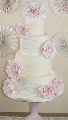 Vintage lace wedding cake