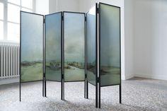 Vivian Greven, Clandestin (Paravent)<br /> 2013, Polyester Gießharz in Stahlrahmen, 165 x 210 cm