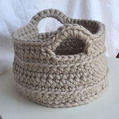 Good Free chunky Crochet basket Concepts Crochet in Color: Chunky Crocheted Basket Pattern Diy Tricot Crochet, Quick Crochet, Crochet Home, Learn To Crochet, Crochet Crafts, Crochet Stitches, Crochet Projects, Free Crochet, Chunky Crochet