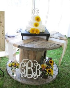 I don't want to hide the fact that it is a spool table. Also, don't want it overly cluttered. Kind of simple. Chic Wedding, Wedding Table, Fall Wedding, Rustic Wedding, Our Wedding, Dream Wedding, Wedding Ideas, Wedding Cakes, Sunflower Wedding Decorations