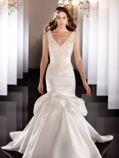 Elegent Fit Flare Lace Wedding Dress with Asymmetrical Ruched Bodice and Dropped Waist