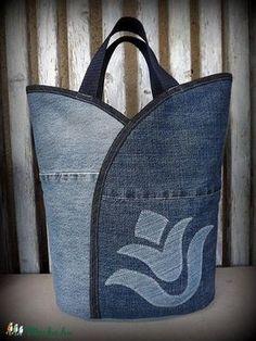 "Jeanstasche - ""Tulip - Dark and Bright"", Tasche, Satyar, Meska - Nähideen / Sewing - Bolsas Sacs Tote Bags, Sewing Jeans, Jean Purses, Diy Sac, Denim Purse, Recycled Denim, Patchwork Bags, Fabric Bags, Sew Bags"