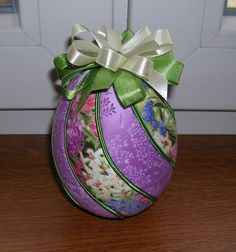 vajíčko fialové 12 cm