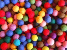 2cm Handmade 100% Wool Multi colour DIY Felt Balls Pom Pom Craft Accessories rug Diy Carpet, Rugs On Carpet, Pom Pom Crafts, Craft Accessories, Felt Ball, Felt Diy, Carpet Runner, Modern Rugs, Wool