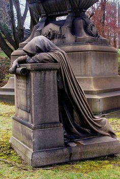 Lake View Cemetery, Cleveland, Ohio, -okay, so traveling to see cemeteries isn't… Cemetery Monuments, Cemetery Statues, Cemetery Headstones, Old Cemeteries, Cemetery Art, Graveyards, The Wicked The Divine, Cemetery Angels, Memento Mori