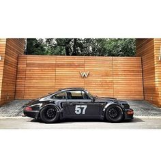 Porsche 911 964 Wide Body // stamped for winners! now free auto Porsche 911 964, Porsche Carrera, Porsche Cars, Porsche 2020, Autos Toyota, Bmw Autos, Porsche Classic, Classic Cars, Vintage Porsche