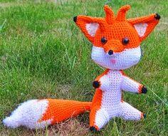 2000 Free Amigurumi Patterns: Marty the Fox: free Amigurumi crochet pattern