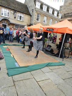 Street entertainment. Let Oundle Fringe begin....