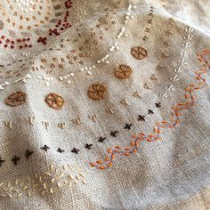 Floral Embroidery Patterns, Embroidery Sampler, Simple Embroidery, Modern Embroidery, Embroidery Stitches, Hand Embroidery, Boro Stitching, Hand Stitching, Little Stitch