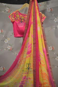 Same saree display Pink Saree Blouse, Saree Blouse Neck Designs, Choli Designs, Fancy Blouse Designs, Bridal Blouse Designs, Saree Dress, Fancy Sarees, Party Wear Sarees, Plain Chiffon Saree