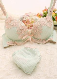Female underwear bra set