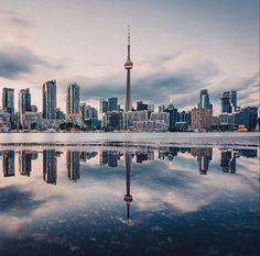 Toronto Toronto Skyline, Toronto City, Downtown Toronto, City Aesthetic, Travel Aesthetic, Beautiful World, Beautiful Places, Travel Around The World, Around The Worlds