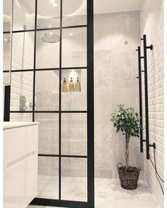 Bathroom Decor Sets, Bathroom Renos, Bathroom Renovations, Modern Bathroom, Bathroom Ideas, Bathroom Wall, Bling Bathroom, Industrial Bathroom, Glass Bathroom