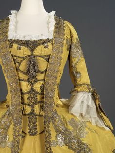 Detail of an utterly gorgeous robe a la francaise style gown.