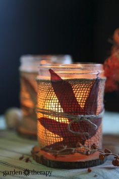 Make these burlap wrapped mason jar leaf candles!