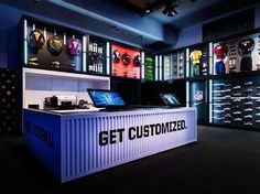 Some interesting examples of environmental design Shoe Store Design, Retail Store Design, Retail Shop, Velo Shop, Bg Design, Tyre Shop, Retail Concepts, Shop Fittings, Showroom Design