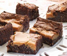 Μπράουνις με καραμέλα   Συνταγή   Argiro.gr Food Categories, Brownies, Desserts, Recipes, Cake Brownies, Tailgate Desserts, Deserts, Recipies, Postres