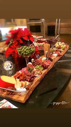Charcuterie/Grazing/Cheese/Antipasti Boards by GeppettaBoards - Health Food Party Food Platters, Cheese Platters, Serving Platters, Charcuterie Recipes, Charcuterie And Cheese Board, Cheese Boards, Plateau Charcuterie, Grazing Tables, Food Displays
