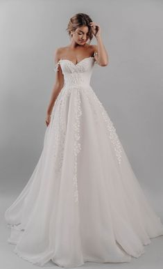67 Modern Princess Wedding Dresses Fit for a Royal Wedding #noivas, #dicasdenoivas, #vestidosdenoivas, #brides, #bridal #tips, #bridal #dresses