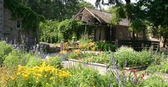 Plan a #springPA trip to America's oldest living botanic garden, surrounded by the urban bustle of Philadelphia. At Bartram's Garden visitors can explore the wildflower meadow, majestic trees, river trail, wetland and farm buildings that overlook the Schuylkill River.