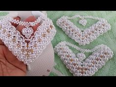 Bead Embroidery Tutorial, Beaded Embroidery, Beaded Jewelry Patterns, Beading Patterns, Wedge Wedding Shoes, Crochet Sandals, Bead Jewellery, Christmas Jewelry, Beading Tutorials
