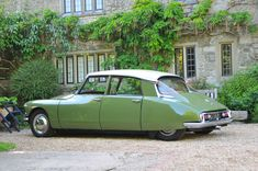 Classic Car News Pics And Videos From Around The World Citroen Ds, French Classic, Classic Cars, Shooting Brake, Maserati, Ferrari, Old Cars, Exotic Cars, Peugeot