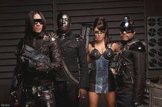 "Black Eyed Peas Battle Robots In ""Imma Be Rocking That Body"" Dystopian Fashion, Cyberpunk Fashion, Futuristic Costume, Music Land, Battle Robots, Yg Artist, Apocalyptic Fashion, Future Fashion, Black Eyed Peas"
