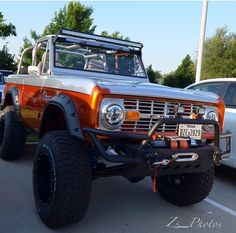 Ford Bronco by queen Old Ford Bronco, Bronco Truck, Bronco Ii, Early Bronco, Jeep Truck, Ford Trucks, Pickup Trucks, Jeep 4x4, Lifted Trucks