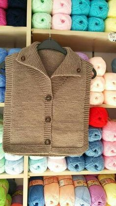 This Pin was discovered by Cemile Ay. Discover (and save!) your own Pins on Pint… – Harika Örgü Modelleri, Tığ Modelleri Knitted Baby Cardigan, Knit Baby Sweaters, Knitted Baby Clothes, Baby Knits, Baby Knitting Patterns, Knitting Designs, Baby Patterns, Knitting For Kids, Knit Crochet