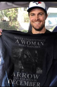 Stephen Amell...I need this T'shirt..❤️❤️