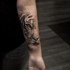 Stunning Animal Tattoo Designs That Inspire You To Get Inked - Millions Grace Tattoos generally symbolize a specific meaning. Animal tattoos are great tattoos to get if you want your tattoo to hold… Tigergesicht Tattoo, Hand Tattoos, Tattoo Dotwork, Piercing Tattoo, Forearm Tattoos, Back Tattoo, New Tattoos, Body Art Tattoos, Tattoos For Guys